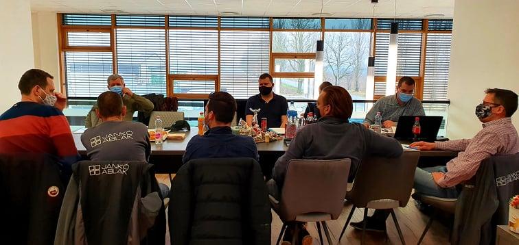 Janko_ablak_evindito_meeting_2021.jpg