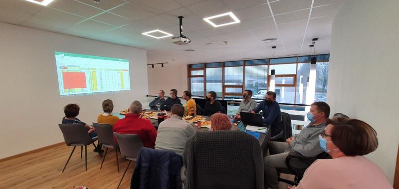 janko_ablak_evindito_meeting.jpg